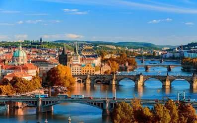 Септемврийски празници в Златна Прага