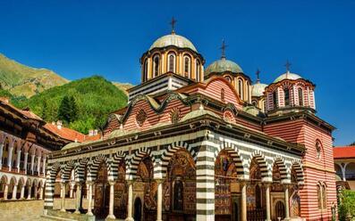 Екскурзия до Рилски манастир Сандански и Рупите